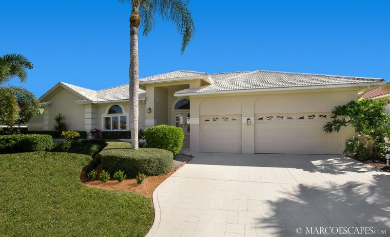MARLIN COURT - Southern Exposure & Walk to Beach!! - Image 1 - Marco Island - rentals