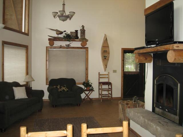 Main Living Area - Fabulous River Cabin with Hot Tub! - Garden Valley - rentals