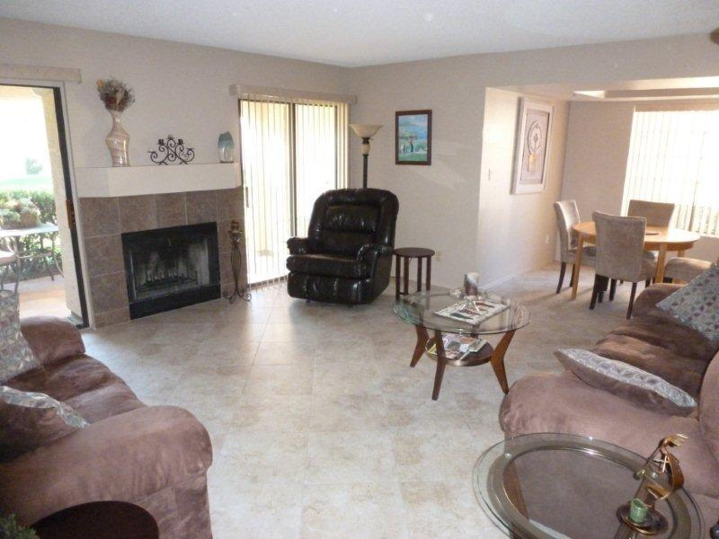 Living Room - Newly renovated 1200 sq ft Condo - Scottsdale - rentals