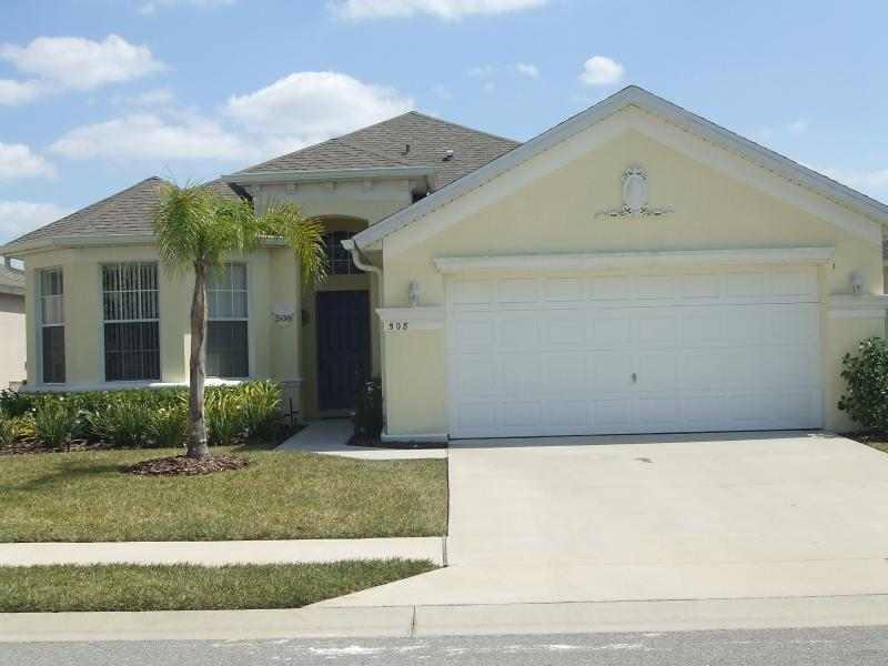 New Luxury Villa on Prestigious Gated Community - Image 1 - Haines City - rentals