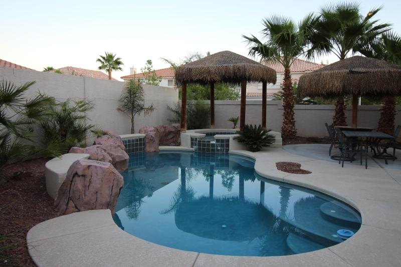 Las Vegas VILLA 1 - Relax in our Tropical Pool & Spa - Las Vegas VILLA 1 –Stay 7 Nights-Free Heated Pool - Las Vegas - rentals