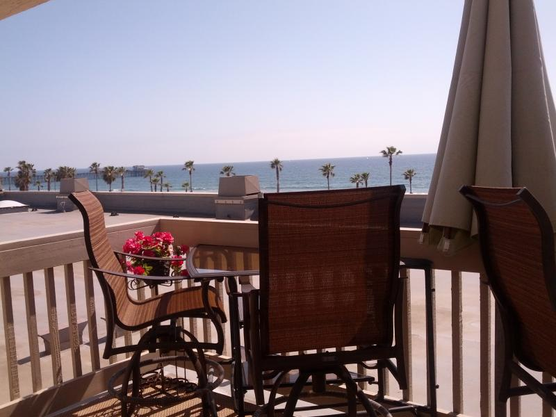 Deck off Master bedroom - Ocean view/sandy beach with surfing waves/2 pools - Oceanside - rentals