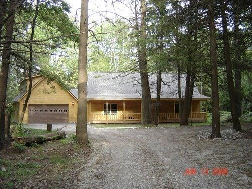 Beautiful log home in quiet setting on Lake Huron. - 5 STAR VACATION HOME ON LAKE HURON - Harrisville - rentals