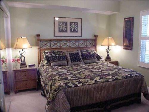 King Size Master BR - WE OWN 12 CONDOS NO JUNK FEES  CALL US STOP SEARCHING NOW ! - Panama City Beach - rentals
