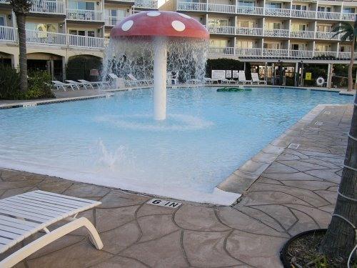 The Pool Kids Love - 2 BR SLEEPS 8 GULF VIEW-- BEACH AND PIER - Galveston Island - rentals