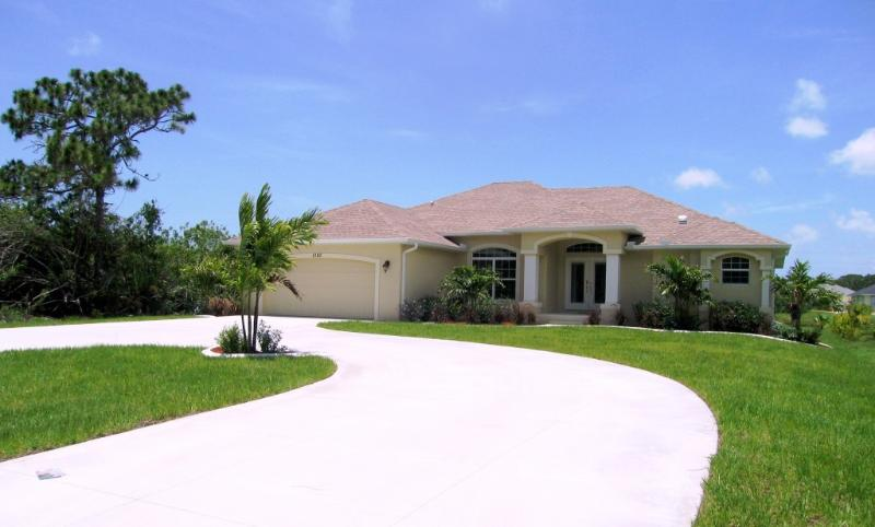 Glorious Gulf Villa, Rotonda West, Florida Gulf Coast - Waterfront Gulf Coast Villa - Pure Luxury! - Rotonda West - rentals