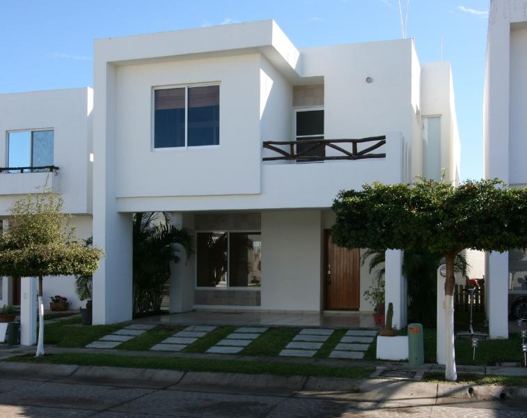 Beautiful Home - 300 Ft From Beach 3 Bedroom Vacation Home - Mazatlan - rentals