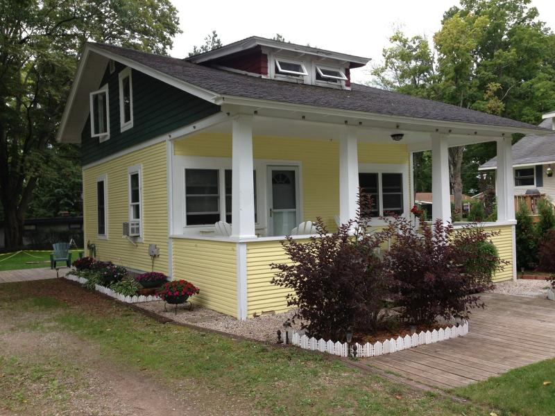 Walloon Lake Cottage 3 bdr/1.5 bath - Image 1 - Walloon Lake - rentals