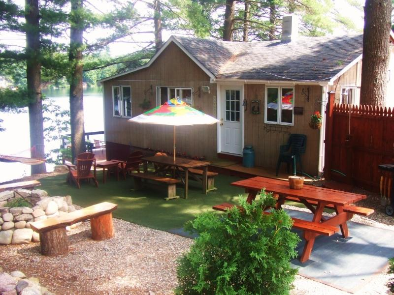 Cozy Cabin on Crystal Clear Pond - Waterfront Cabin on Crystal Clear Barkers Pond - Alfred - rentals