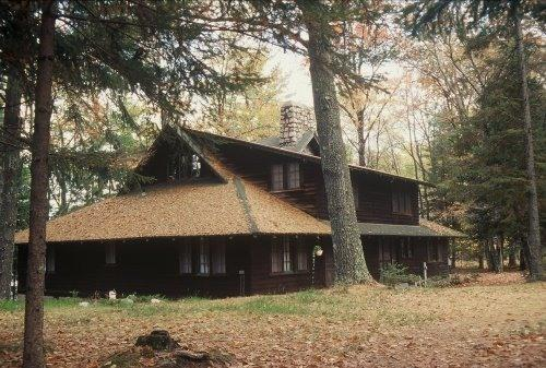 Hill Cottage - Classic Northwoods Cottage on Beautiful Plum Lake - Sayner - rentals
