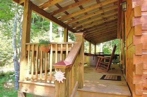 This is your cabin in the woods!! - Hot Springs nc honeymoon cabin w hot tub on creek - Hot Springs - rentals