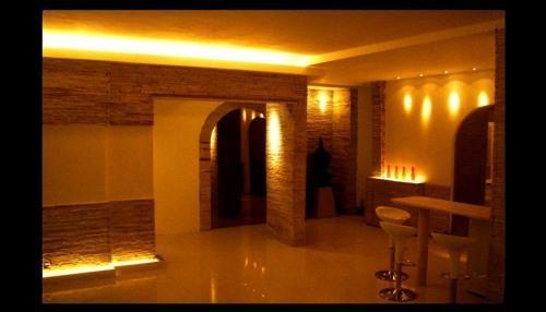 living room night - LUXURY LOCATION & RATE at ipanema POSTO 9! - Ipanema - rentals