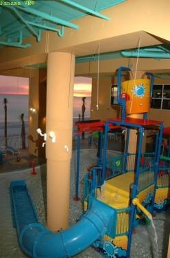 No sunburn in this waterpark, swim and play under the building - Splash at Splash 3/3 bd. sleeps 9 - Panama City Beach - rentals