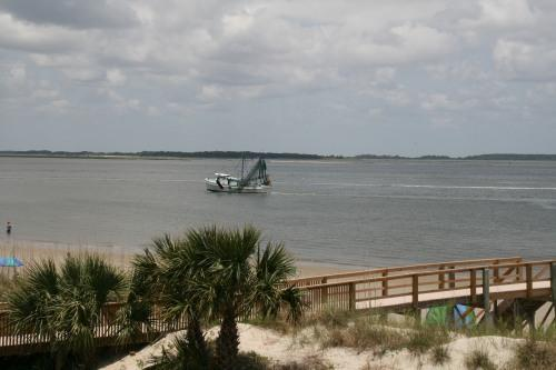 Beautiful beachfront View - West - SunKissed with KING bed - Tybee Island - rentals
