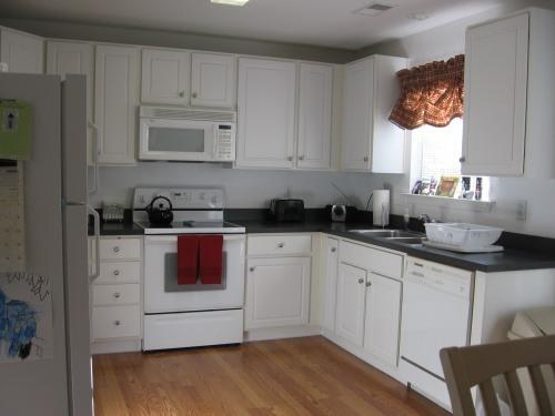 Kitchen - Hilton Head for Less! Parris Island Graduations! - Bluffton - rentals