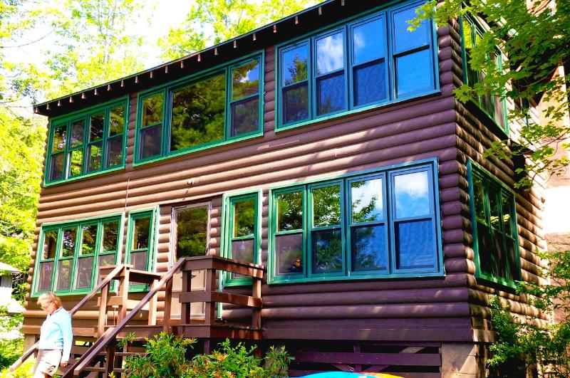 Facing the Lake - Classic Adirondack Lakefront Cabin on Quiet Lake - Gloversville - rentals