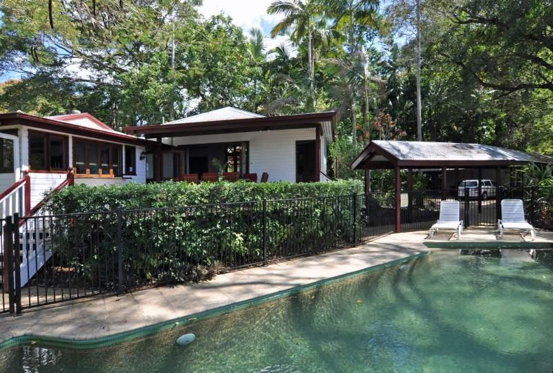 Exterior of Poinciana Lodge and pool - Poinciana Lodge, Rainforest home close to the City - Cairns - rentals