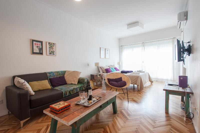Living Room - Dining Room - Cozy and Renovated Studio in Recoleta BestDistrict - Buenos Aires - rentals