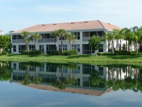Home With a View - New First Floor Coach Home near Beaches - Fort Myers - rentals