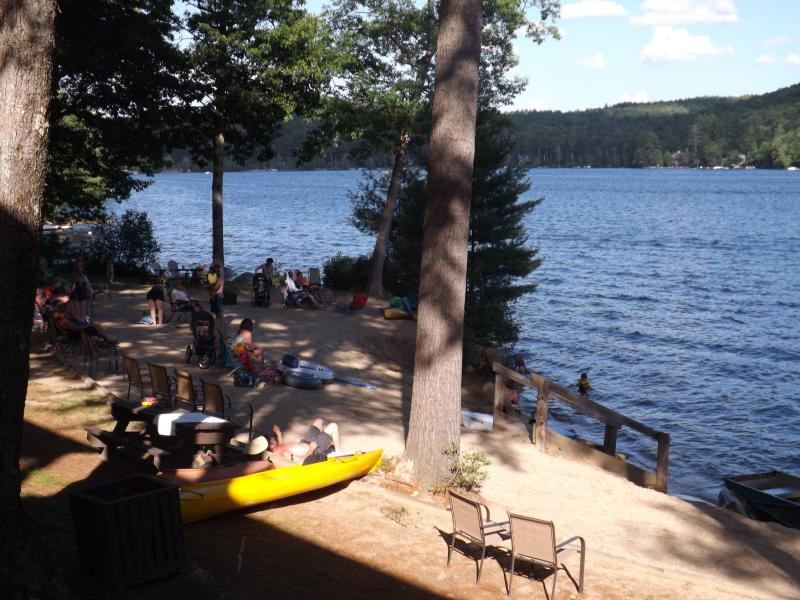 4th of July visitors enjoy all Boulders Beach has to offer - Squam Lake! Two BR cottage directly@water's edge - Holderness - rentals