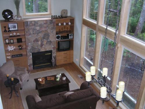 Barmon's Living Room - Hartstene Island Vacation Cabin,Pool, Beach, WiFi - Herron Island - rentals