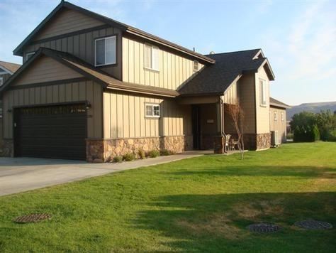 Front of Home - Columbia River Front Crescent Bar Home - Quincy - rentals
