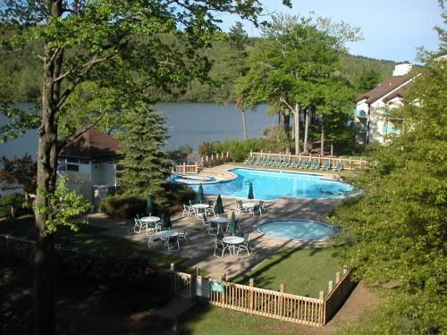 Pool from our Balcony - Breathtaking view of lake and pool from balcony - Jim Thorpe - rentals