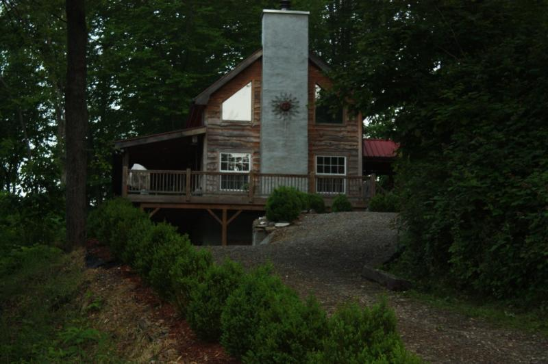 Rustic Cabin Home - LiL Slice A Heaven River Front Cabin - Bakersville - rentals
