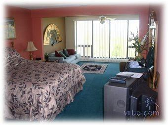 Master Bedroom, floor to wall lake view - Osage Vistas Condo Gorgeous Lakeview - Lake Ozark - rentals