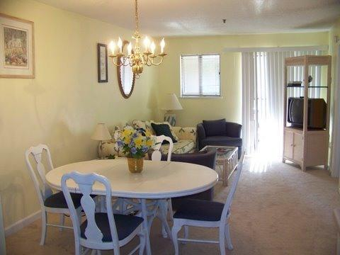 Living and Dining Area - Vacation in This Hilton Head Beach Retreat - Hilton Head - rentals