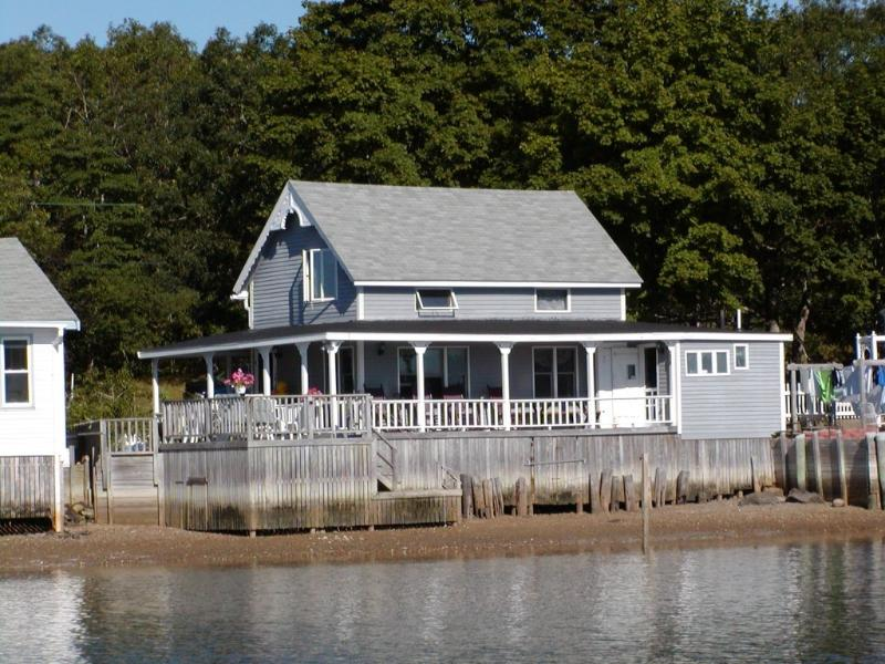 water view - Waterfront 3 Bedroom Victorian Cottage - Onset - rentals