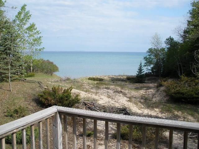 looking west from deck - Traverse City Lake Michigan Waterfront priv, Beach - Sunday to Sunday - Elk Rapids - rentals