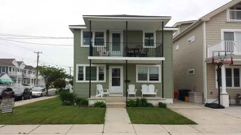5Br/2Bath-2 Family Apartment-2 blocks from beach!! - Image 1 - Wildwood Crest - rentals