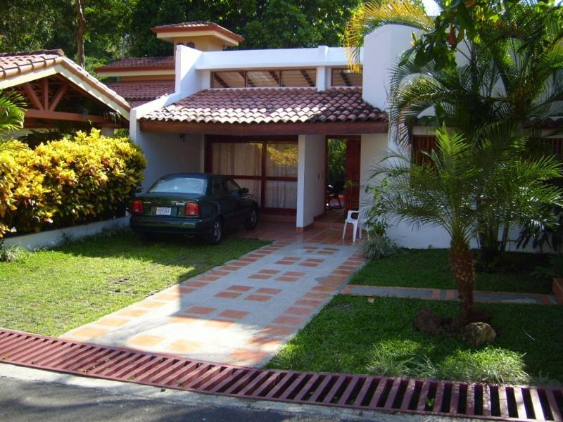 the front of the house - Vacation house in Punta Leona -Costa Rica for rent - Herradura - rentals
