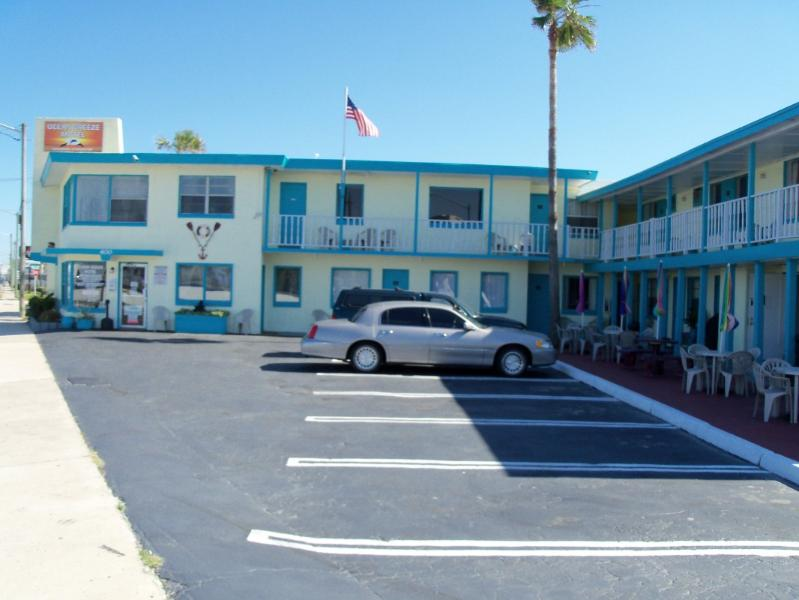 Ocean Breeze Complex - Affordable Suites Right Across From The Beach!!!! - Daytona Beach - rentals