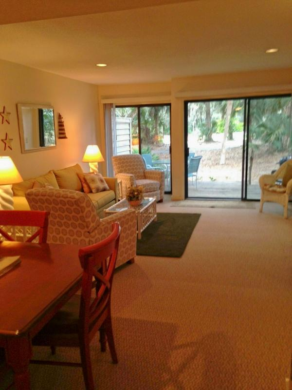 New sleeper sofa, 2 New recliners, New carpet. Watch the HD tv, or the golfers! - Across from pool, walk to beach, GREAT location!! - Hilton Head - rentals