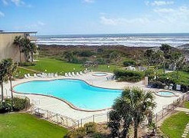 View from condo of ocean+oceanfront pool! - Oceanview Condo@St Augustine Beach  99,sleeps 2-10 - Saint Augustine Beach - rentals