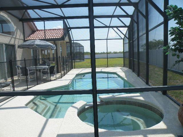 pool and spa - Luxury 5br/3ba Villa, Pool/spa, Wifi, games, BBQ - Davenport - rentals