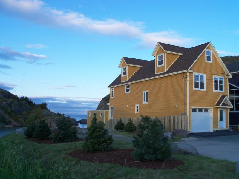 Oceanfront Executive St.John's home - Oceanfront Executive Home in St.John's!! - Raleigh - rentals
