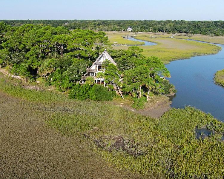 Privacy - Pyramid Pointe - Surrounded by the ocean - Edisto Island - rentals