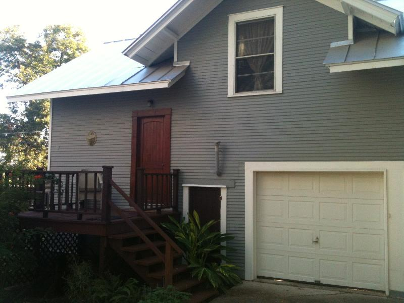 Carriage House - Cottage 2.4 mi from dwntwn on historic home property - San Antonio - rentals