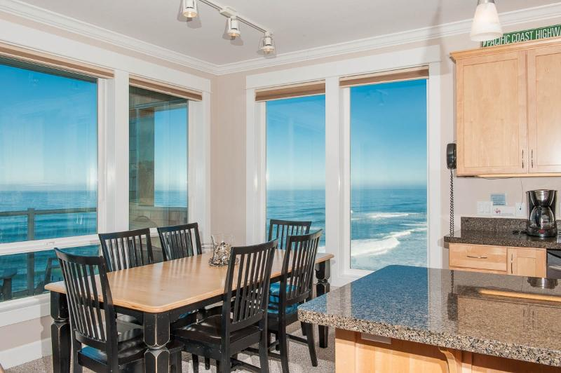 Beautiful oceanfront views from Keystone's condos at Pacific Winds - Promo! Oceanfront Luxury Condos/Hot Tubs/Pool/WiFi - Lincoln City - rentals