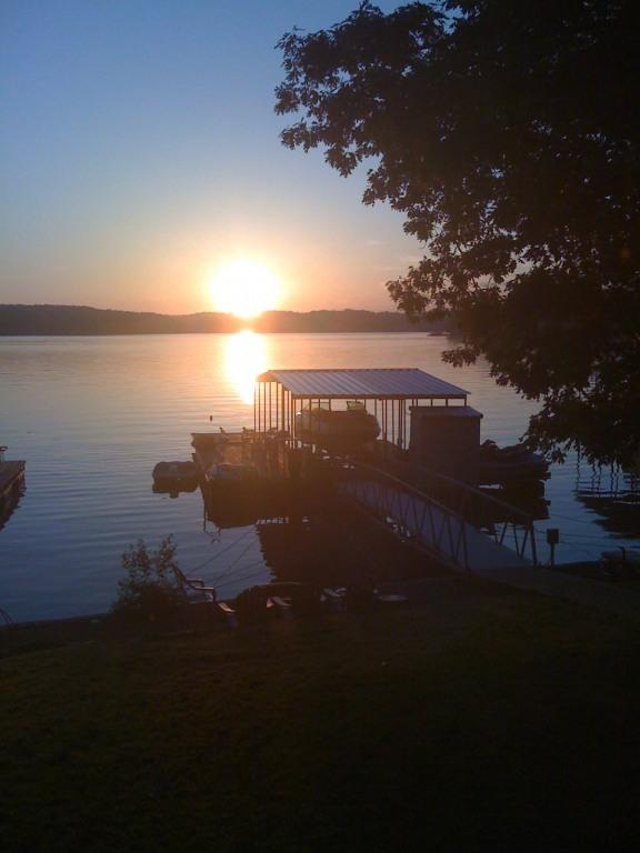 sunrise - Beautiful Remodeled Lake Front Home - Gravois Mills - rentals