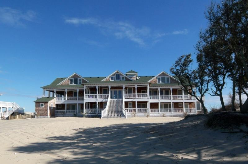 "The Mark Twain ""EVENT HOME"" - OCEANFRONT 18 Bedroom Estate. ""The Mark Twain"" - Corolla - rentals"