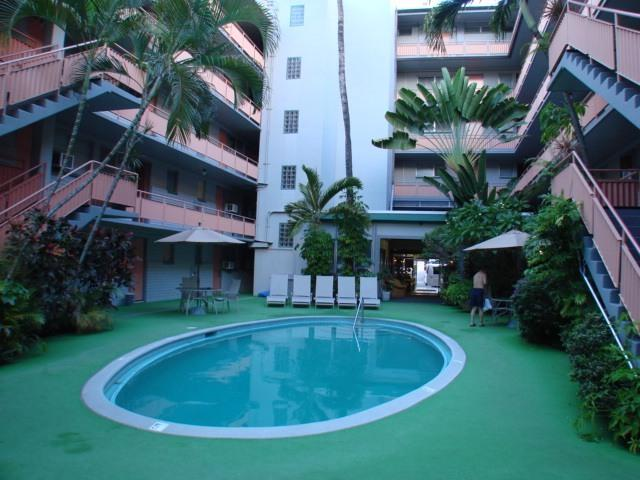 Swimming Pool/Gardens - Nostalgic Waikiki - Hawaiian King 502 - Waikiki - rentals