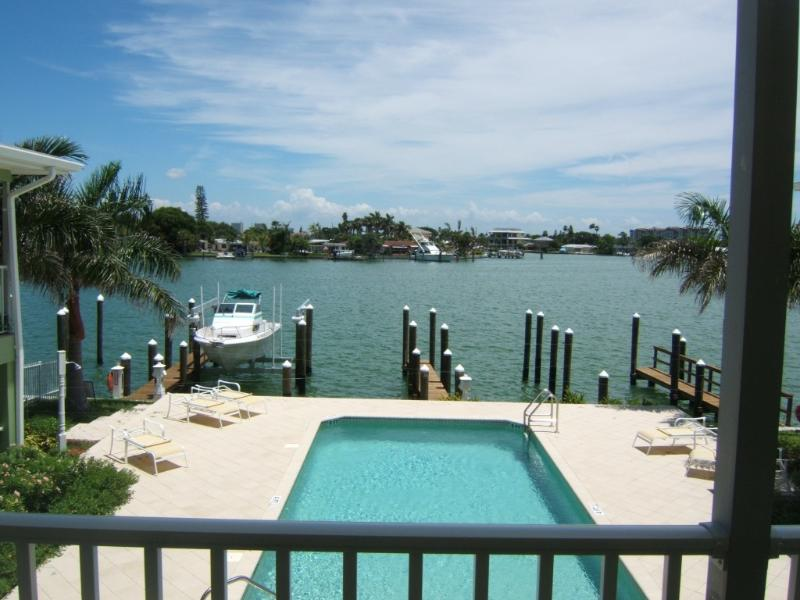 Boca Ceiga Bay - Deluxe 2 Bedroom Waterfront Condo - Boca Ciega Bay - Treasure Island - rentals