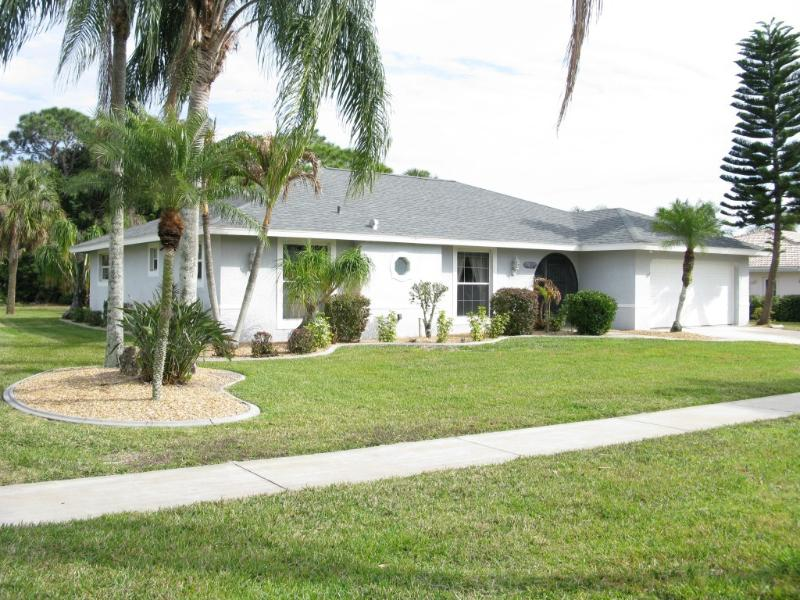 North Fort Myers Snowbird Haven - Lg Exec 4 BR/2Bath Lg Htd Pool, Private Cul-de-Sac - North Fort Myers - rentals