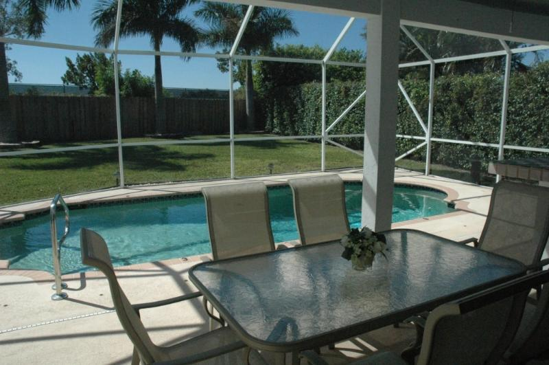 Pool & patio - Beautiful private villa - Boynton Beach - rentals
