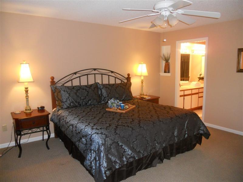 King Bed in Master Bedroom - Spacious Walk in *2 King *Amenities*Sleeps 6*Strip - Branson - rentals