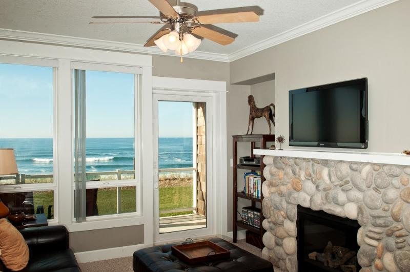 Relax In Comfortable Elegance With an LCD TV - *Promo!* Oceanfront Luxury Condo with Private Hot Tub, Indoor Pool & WiFi - Lincoln City - rentals
